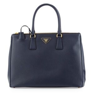 •Prada• Saffiano Medium Double Zip